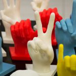 lis mani colorate linguaggio segni